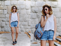 Anđela Vitorović - Accessorize Backpack, Aldo Hat, H&M Top - Denim shorts
