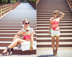 Olga Choi - Chic Wish Top, Imomoi Shorts, Choies Clutch, Zerouv Glasses - Hello, what's new?