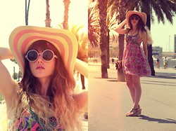 Alexe Bec - Pieces Floppy Hat, Topshop Sunnies, Molly Bracken Purse, Only Dress, Pepe Jeans Shoes - BEACH OUTFIT BCN