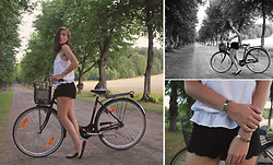 Ingrid Wenell - H&M Top, H&M Crochet Shorts, H&M Shoes, H&M Arm Cuffs - Just me and my bike