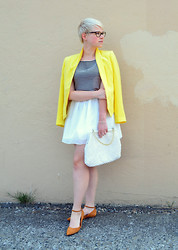 Catie Beatty - Oasap Skirt, Rivet & Sway Cat Eye Glasses - Sting like a bee