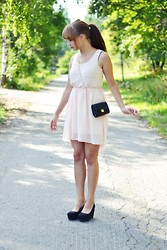 Riikka P - New Yorker Dress, H&M Bag, H&M Shoes - We'll be raising our hands, shining up to the sky