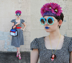 Zoe S. - Jump From Paper Alice Bag, Find The Light Floral Sunglasses - Jump from Paper
