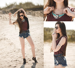 Mirella Szymoniak - Sheinside Shorts, Vintageshop Tee, Zara Necklace, Choies Boots, Brylove Sunglasses - Run in circles