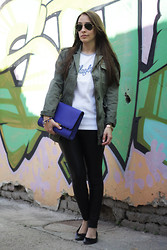 Jovana Bovan - C&A Parka, Oasap Clutch, Playlife T Shirt - Playlife