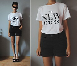 Agata ♡ - H&M The New Icons White T Shirt, Cache Black Shorts, Deezee Black Sandals, H&M Black Sunglasses - Teenage Icon