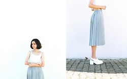 Filipa F. - Stradivarius Crop Top, Vintage Skirt, Marques' Almeida Shoes - Submergence