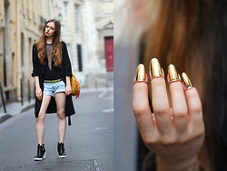 Sab FashionLab - H&M Trench Coat, Vintage Short, Zara Boots - Nail Ring – Golden Claws