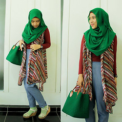 Aghniya Fitrisna - Tribal Outfit, Webbing Bag, Blue Jeans - Being simple is lovely