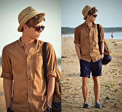 Edgar - Primark Straw Trilby, Primark Brown Backpack, Primark Brown Shirt, H&M Navy Shorts, Primark Navy Boat Shoes, Primark Tortoiseshell Sunglasses - AS TIME GOES BY