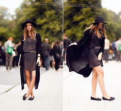 Lisa Olsson - Designers Remix Dress, Zara Belt, Gina Tricot Cardigan, Nelly Shoes, Larsson & Jennings Watch - Way Out West