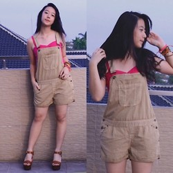 Kimberly Chrisya - Bershka Vintage Brown Overalls, New Look Cropped Top - Rooftop.