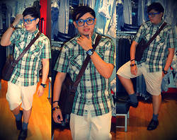 Lee Uno Ong - Ray Ban Blue Eyewear, Charm Bracelets, Diesel Metallic 5bar Watch, Celio Green Checkered Shirt, Polo Ralph Lauren Brown Sling Bag, Celio Slim Fit Beige Shorts, Celio Gray Formal Socks, Ruzty Lopez Black Leather Dress Shoes - SIMPLY DAPPER...