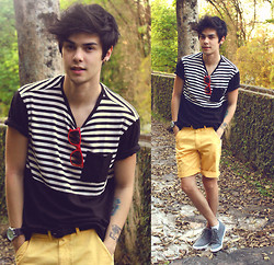 Vini Uehara - Estilo Certo Yellow Shorts, King55 Sneaker, Glassesshop Red Sunglasses, Estilo Certo T Shirt - Yellow