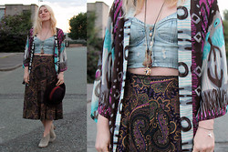 Sarah H. - Topshop Bralet, Vintage Midi Skirt, Prophecy Kimono, Accessorize Fedora, The Bohemian Collective Agate Necklace, Love Dicker Ish Boots, Nostalgic Feather Sharktooth Bracelet - ON SHOES AND ISSUES