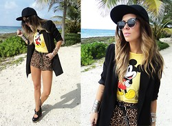 Katia Nikolajew - H&M Cap, H&M Tee, H&M Blazer, Urban Planet Shorts, Jeffrey Campbell Shoes, Nasty Gal Sunglasses - Mickey mouse club...