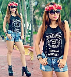 Julie Lozada - Diy Floral Crown, Pink Fashion Jack Daniel's Top, Topshop Short, Wholesale Dress.Net Lita With Spike - Rock the Crown