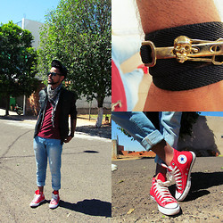 Felippe Ferreira - Converse, $79,90 Skinny Pool (Riachuelo) - Working with the red