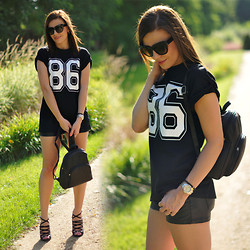 Renata M.. - Axparis Tee, H&M Leather Shorts, Picard Leather Backpack, H&M Sandals - 86