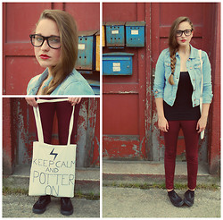 Klára P. - Diy Hp Bag, Jennyfer Sunglasses, Estée Lauder Woodland Berry Lipstick, H&M Denim Jacket, H&M Bordeaux Pants, Vans Black Leather Shoes, Marks & Spencer Black Top - Keep Calm and Potter On