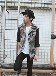 Zack T - New York Hat, Reclaimed Vintage Jacket, H&M Skinny Jeans, Dr. Martens Shoes - Ignite the light