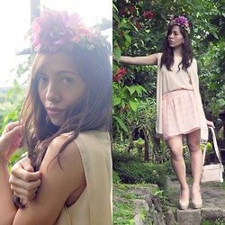 Rovie D. - Il Fiore Wreath, Creme Dela Femme Top, Forever 21 Skirt - Tranquil