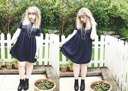 Sarah Worcester - Asos Smock Dress, Asos Ankle Boots, Topshop Necklace - Lets Kill Tonight