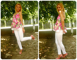 EbonyVintage Nahoot - Marks&Spencer White Jeggins, Sheinside Floral Spaghetti Top, Sugah Fullah Pink Shoes - P is for Pink