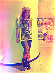 Raffi Alcantara - H&M Beret, Romwe Fire Leggings, Tonic Sneaker Wedge - Madonna meets The Girl on Fire!