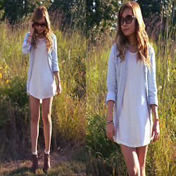 Jennifer P - Nine West Leather Ankle Boots, H&M Chambray Shirt, Cat Eye Sunglasses, Cotton Tunic - Summer Passing