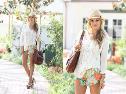 Marika F - Melissa Odabash Cameron Panama Hat, Free People Cross My Heart Pullover, Alice And Olivia Butterfly Shorts, Oryany Bag, Flogg Rainbow Metallic Clog Sandals - Summer Resort: Knits & Florals