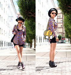 AMINTA ONLINE - Romwe Shirt, Jump From Paper Bag, Giant Vintage Sunglasses, Amelie Shoes - Jump from Paper