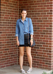 Kate Schneider - Forever 21 Chambray Shirt, H&M Croc Embossed Skirt, Vintage Quilted Bag, H&M Python Print Sneakers - Less is more