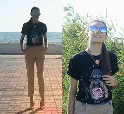 Aigyz Rebelle - Givenchy Dog, Kira Plastinina Pants, Ray Ban Sunglasses - DOGDAYZ