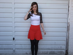 Courtney Melville - Charity Shop Necklace, New Look Top, Topshop Skirt - Live for the appluase