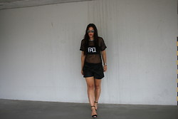 Michelle E.               Fashionblogger - Asos Mesh Top, Zara Short, Zara Black Heels - Outfit/Blame it on the..