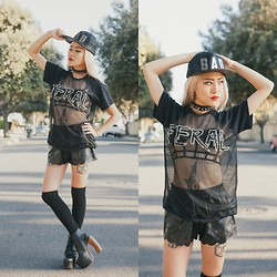 Eugénie Grey - Love Bad Snapback, Love Custom Feral Home Run Top, Jeffrey Campbell Lana - The girl was bad, the girl was dangerous