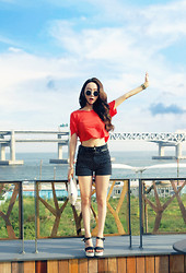Yoo Hanseon - Forever 21 Crop Top, Vintagehollywood Clutch, Zara Belt - I love busan, korea