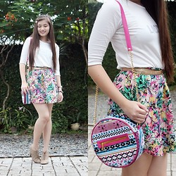 Caitlin Roxette - Lacoste 3/4 Top, Fashion Cravings Aztec Bag - Girly
