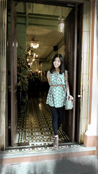 Nam Cheah - Green Retro Print Dress, Brown Woven Belt, Rabbit Gladiator Plateform, Polka Dot Briefcase - Nyonya