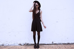 Vu Thien - Vintage Sunglasses, Diy Collar, Thrift Store Dress, Topshop Barcellet, Tuk Creepers - BLACK BEAUTY
