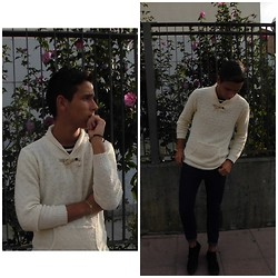 Pelayo Salor - Zara Sweater, Zara T Shirt, Pull & Bear Jeans, Solido Trainers - I found the vein, put it in here