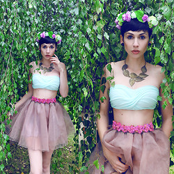 Nora Lovely - Skirt, Tart Collection Bustier, Mad Lady Headpiece - Nora Lovely