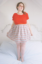 Becky Bedbug - Specsavers Glasses, Vintage Top, Cath Kidston Skirt - Look what you've done
