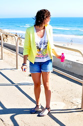 Kristina Zias - Junk Food Little Miss Sunshine, Gibson Neon Yellow Linen Blazer, J. Crew Denim Cut Offs, Zara Silver Sandals - Little Miss Sunshine