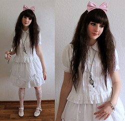 Mitsuko † from Weird Land - Porcelain Doll Skirt, Anna House White Shirt With Lace - Mad doll