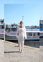 Ida Gabrielsson - Gina Tricot Suit, Monki Sunglasses - WHITE VIRGIN