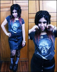 Cynthia † - Complot Skull Shirt, Leather Skirt - Bruise Pristine