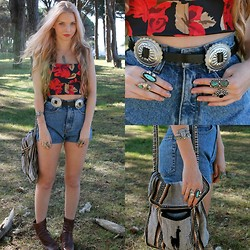 Caitlan Hammond - Vintage Rose Corset, High Waisted Denim Shorts, Brown Boots, Vintage Llama Bag, Concho Belt - Red roses, dead roses.