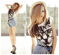 Tini Tani - Persun Top, Chicnova Shorts, Asos Heels - Hat & cat!